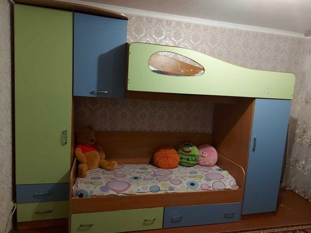 Огромная Детская спальня  двухярусная кровать