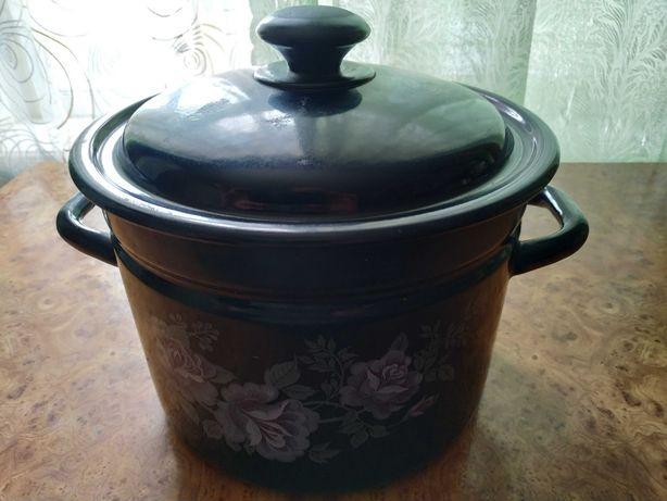 Посуд 4 каструлі та 1 чайник