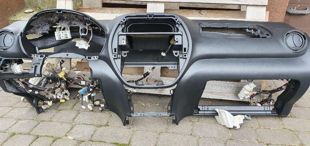 Konsola Toyota Rav4 od 2000 do 2006rok Deska rozdzielcza