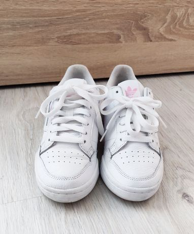 Белые кеды Adidas 36.5