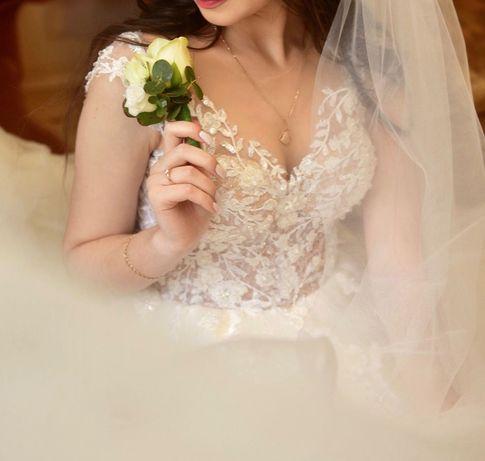 Весільна сукня бу