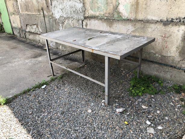 Продам металический стол