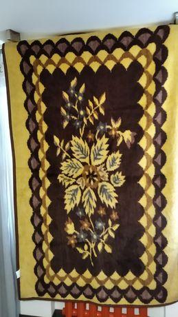 Одеяло полуторное , производство Германия , красивое , теплое , приятн