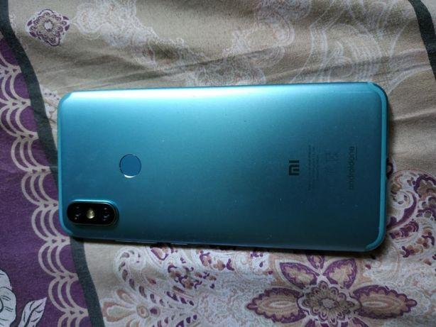 Продам телефон Xiaomi mi a2 4/64