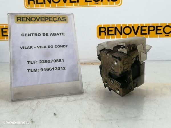 Fecho Da Porta Frente Esq Renault Megane I (Ba0/1_)