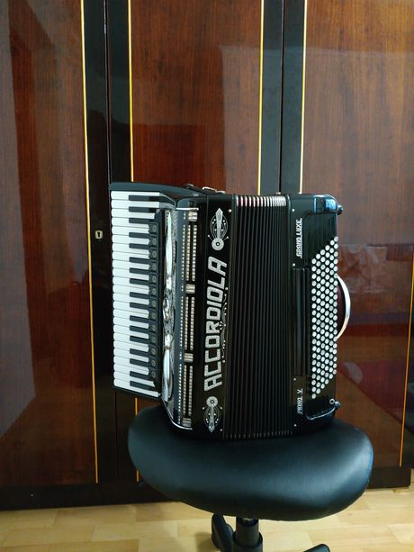 Акордеон Accordiola made in Italy!
