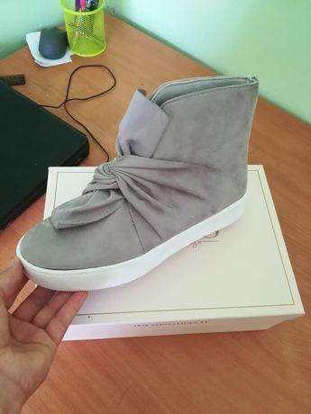 Женская обувь 39 размер