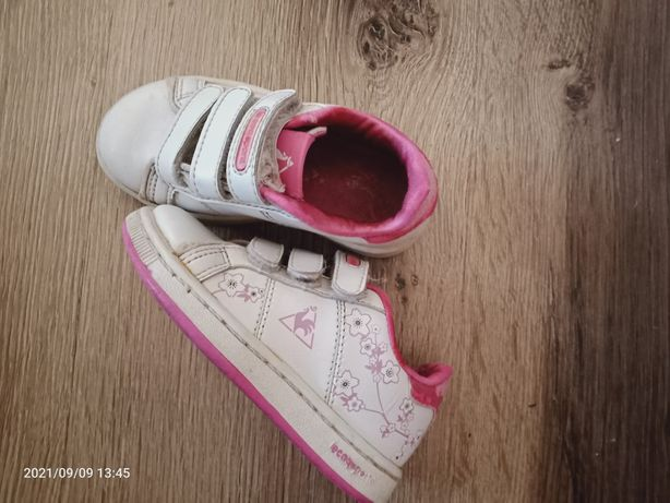 Кросівки для дівчинки. Розмір 22