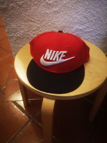 Chapéu CAP Nike vermelho