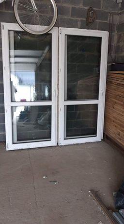 Okno balkonowe orzech biały