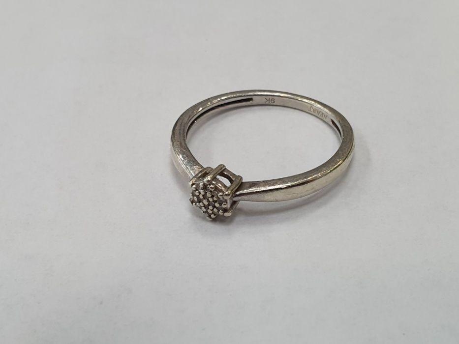 Apart! Złoty pierścionek damski/ 375/ białe złoto + brylanty/ 1.6g/ 12 Gdynia - image 1