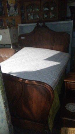stare francuskie łóżko z materacem
