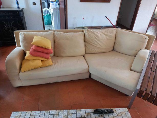 sofá cor creme, grande
