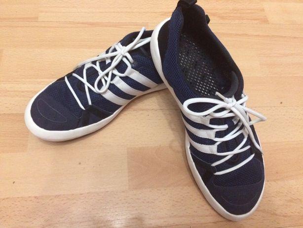 Кросівки adidas літні 44 р.