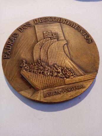 Colecção de medalhões em bronze