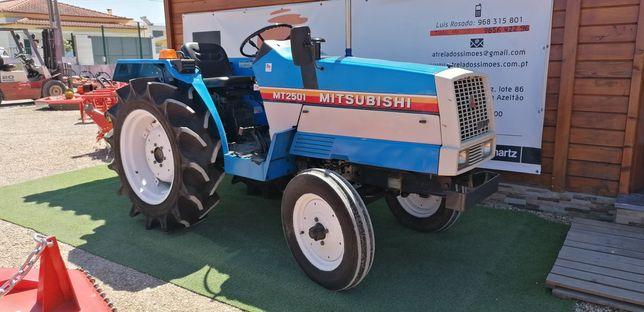 Mitsubishi MT 2501 /4 cilindros /34 cv impecável
