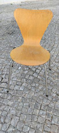 2 Cadeiras em madeira e Inox