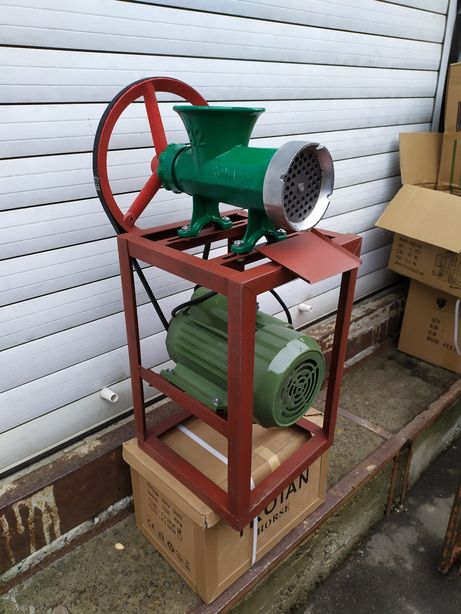 Электрическая мясорубка чугунная 32 промышленная 220 вольт для фарша