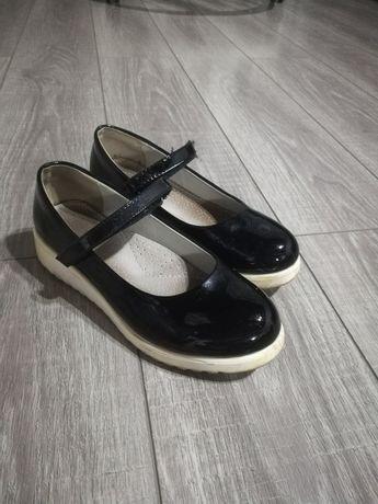Пакет взуття на дівчинку 34-36