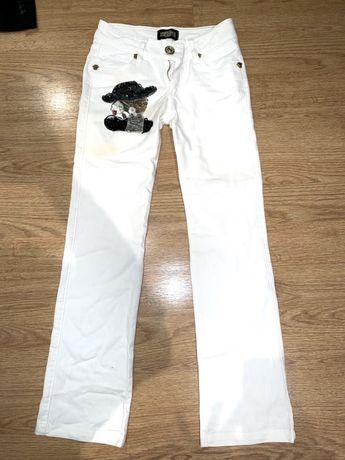 Фирменные джинсы белые