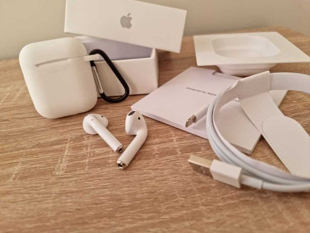 Наушники Apple AirPods 2 With Wireless Charging Case + Чехол в подарок