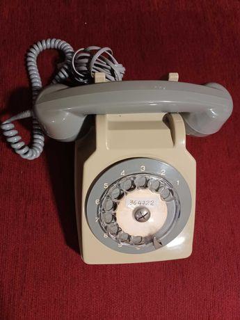 Telefone modelo antigo
