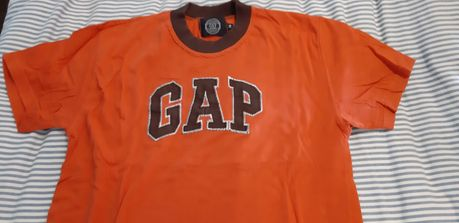 T-Shirt GAP - 14 anos - Unisexo
