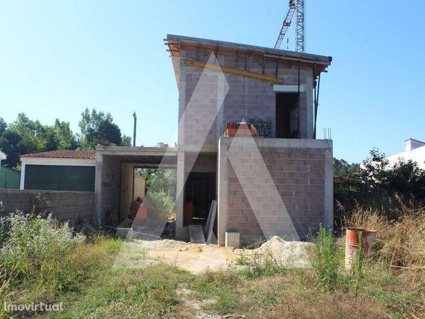 Moradia T3 em construção, em Serém - Macinhata do Vouga