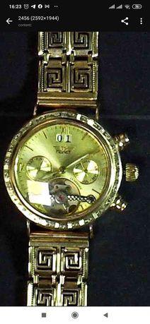 Часы золотые полет  есть осколки брильянтов, ексклюзив