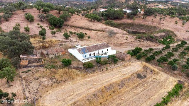Quinta  com 2 poços e barragem localizada a 10m de Sº Bartolomeu de Me
