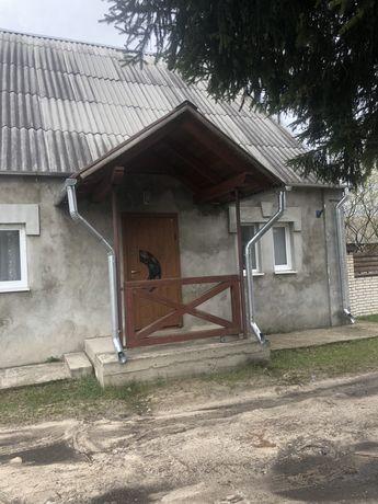 Будинок з участоком 15 сотих і складськими приміщеннями. в Маневичах!!