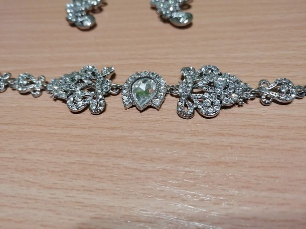 Biżuteria, kolczyki, bransoletka