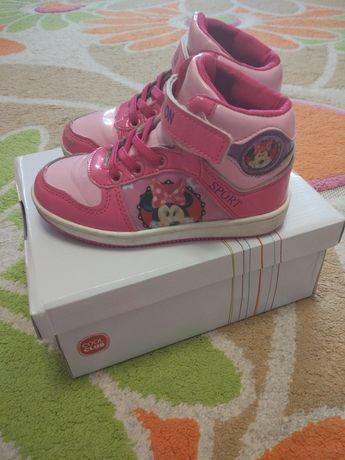 Ботинки ботиночки высокие кроссовки Minnie mouse