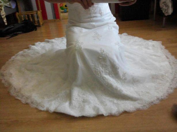 Sprzedam prześliczną suknię ślubną+ gratisy