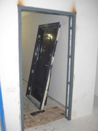 Установка, монтаж входных дверей