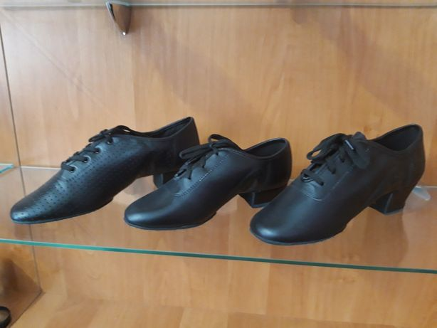 Туфли для танцев.