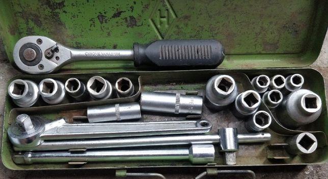 Набор инструментов для ремонта авто с трещеткой СССР