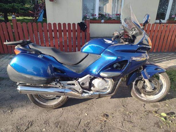 Honda deauville 650 z kufrem