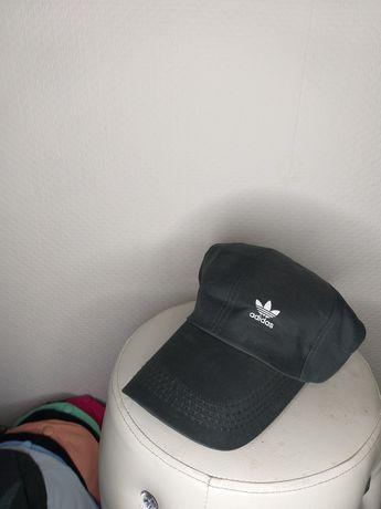 Nowe  czapki   z daszkiem