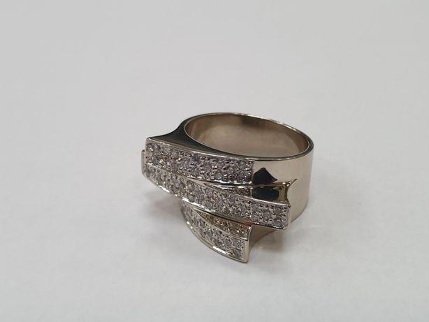 Bardzo duży złoty pierścionek damski/ białe złoto/ 585/ 11.4g/ R17