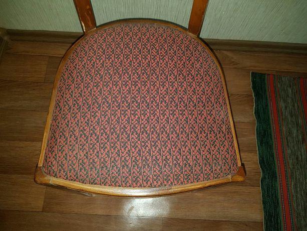 Стул мягкий, стілець м'який
