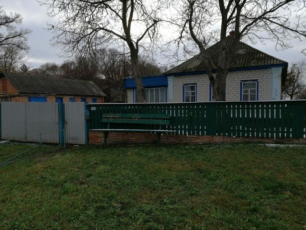 Продам дом в смт Линовиця