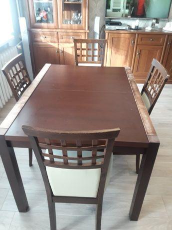 Sprzedam stół rozkładany z 4 krzesłami