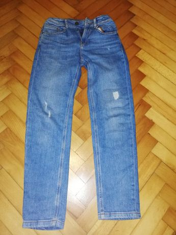 Zestaw ubrań w rozm. 140/146 spodnie, bluzy