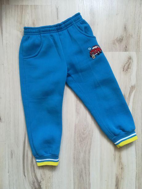 Spodnie dresowe ciepłe r 98,
