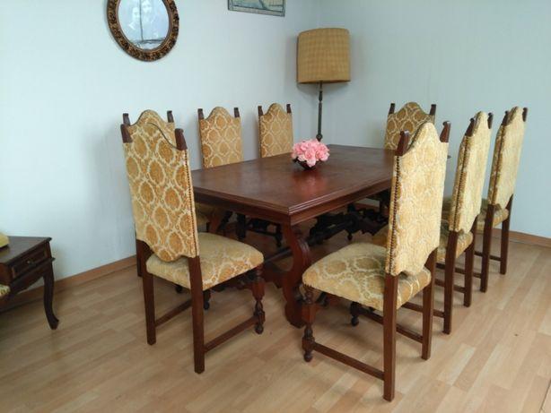 Mesa Jantar em Madeira + 8 cadeiras