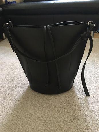 Skórzana torebka kosz Mohito