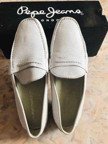 Белые кожанные туфли Carlo Pazolini