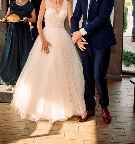 Suknia ślubna typu princessa / rozm. 34-36