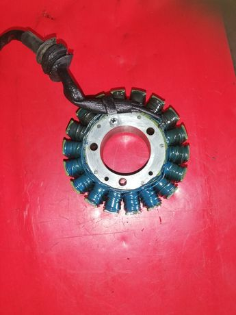 Yamaha R1 Rn04 alternator stojan